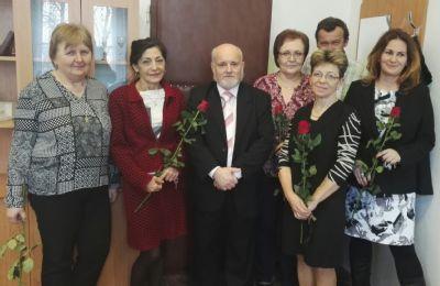 Vedenie Nemocnice Zlaté Moravce obdarovalo na MDŽ všetky ženy v nemocnici