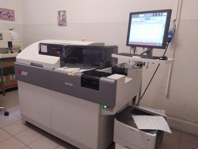 V Nemocnici Zlaté Moravce využívajú najmodernejší prístroj na vyšetrenia vzoriek krvi