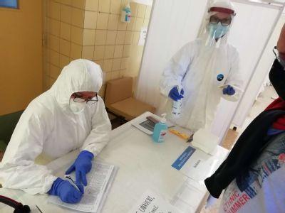 V zlatomoraveckej nemocnici otestovali počas víkendu 441 ľudí. Výborná organizácia, únava, ale ochota a profesionálny prístup  zdravotníkov